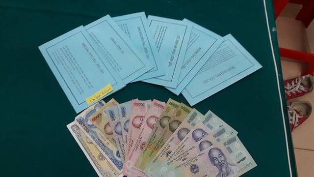 6 chiếc ví để quản lý tiền của bé Bống.