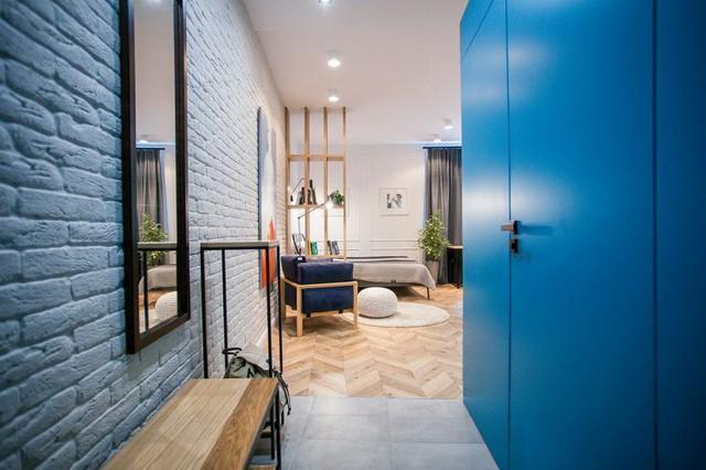 Với diện tích hạn chế nhưng tổ ấm nhỏ này lại có đầy đủ mọi không gian chức năng như nơi tiếp khách, không gian nghỉ ngơi, khu vực bếp, bàn ăn và nhà tắm.