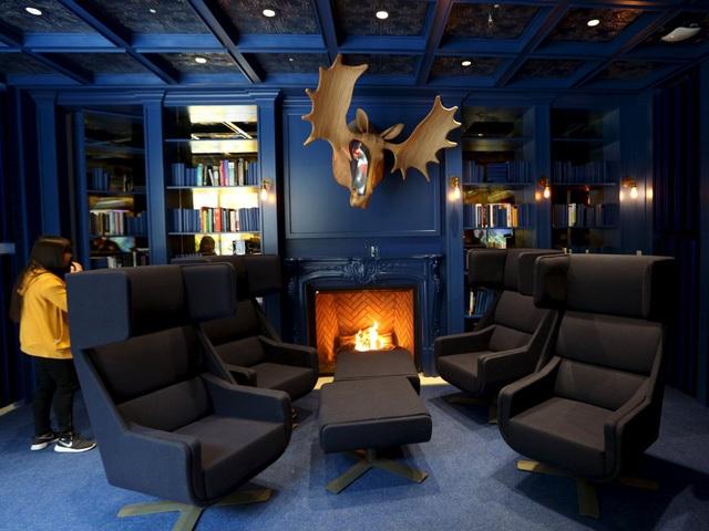 Thư viện ấm cúng và sang trọng ở trụ sở Ontario, Canada...