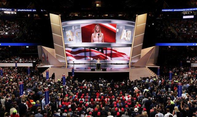 Ivanka Trump phát biểu tại Hội nghị quốc gia đảng Cộng hòa diễn ra ở Cleveland, Ohio vào 21/7/2016. Ảnh: Getty Images.