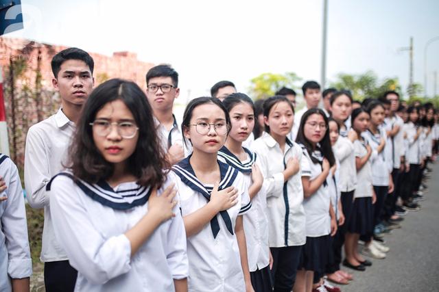 Những hình ảnh xúc động trong lễ tang nhà giáo Văn Như Cương - Ảnh 26.