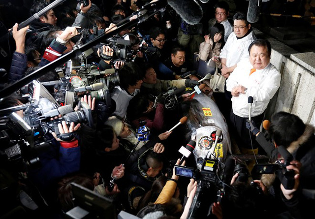 Giải thích lý do bỏ ra một khoản tiền lớn để mua cá, ông Kimura nói muốn thực khách của mình được thưởng thức món sushi từ thịt cá ngừ ngon nhất Nhật Bản. Ảnh: Reuters.