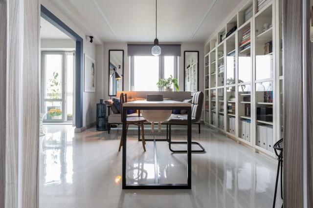 Phòng khách được chủ nhà ưu ái dành riêng một không gian rộng nhất và thoáng sáng nhất.