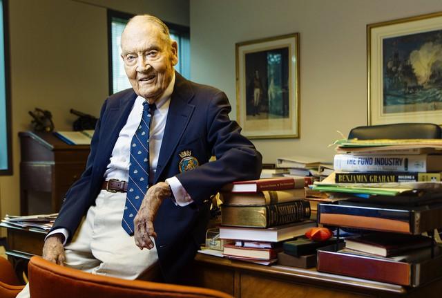 John C. Bogle - nhà sáng lập quỹ đầu tư Vanguard