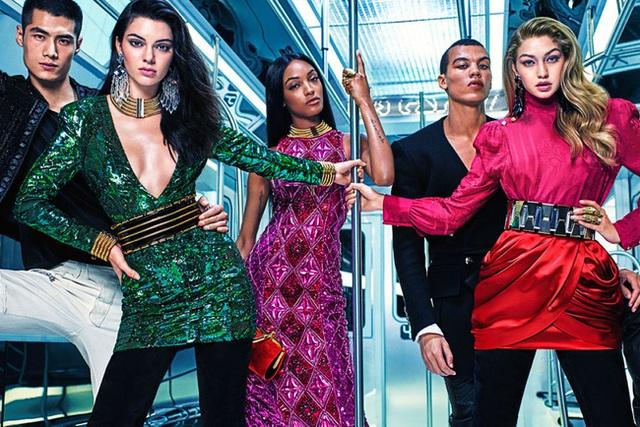 H&M thành công với những cái bắt tay lừng lẫy với Balmain, Kenzo, Alexander Wang...