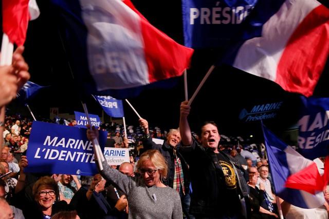 Sự trỗi dậy của Le Pen đi cùng với nỗi bất an lẫn tức giận của người dân ở Pháp nói riêng và châu Âu nói chung. Ảnh: Reuters.