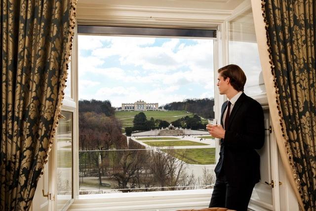 Khung cảnh nhìn từ phòng suite của cung điện Schonbrunn