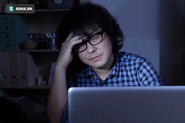 Người thể chất thấp nhiệt thì không nên thức đêm, làm việc lao lực (Ảnh minh họa)