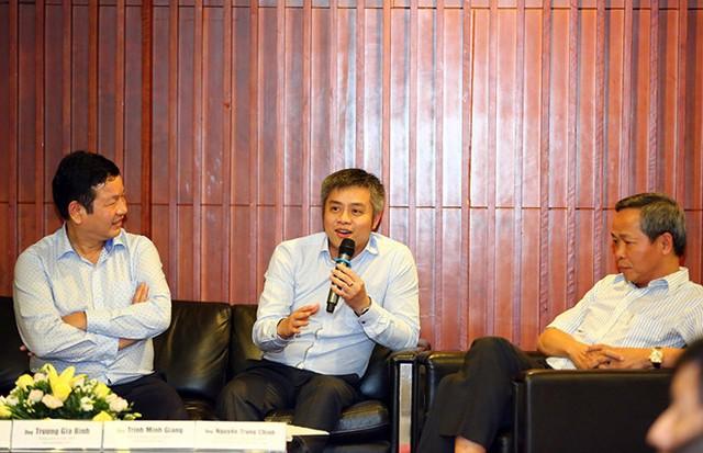 Ông Trịnh Minh Giang (giữa), Chủ tịch Nhóm công tác Khởi nghiệp sáng tạo của VPSF, Chủ tịch HĐQT VMCG chia sẻ về khởi nghiệp sáng tạo.