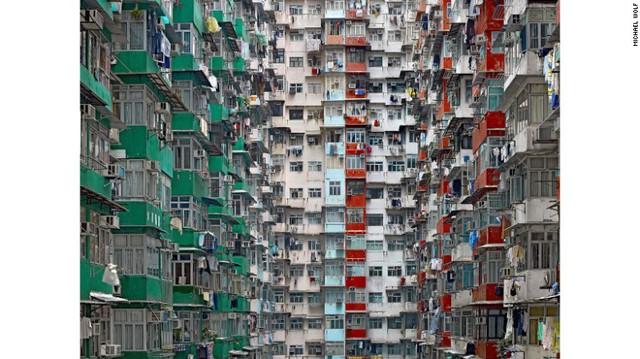 Nhà chung cư ở Hồng Kông - chụp trong bộ ảnh Architecture Density (Mật độ kiến trúc).