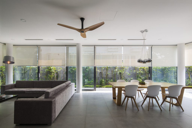 Không gian tầng 1 dành cho sinh hoạt chung của cả gia đình bao gồm: phòng khách, bếp, bàn ăn, khu vệ sinh.