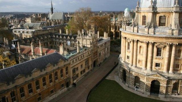 Năm 2017, Oxford là trường đại học đứng đầu thế giới theo bảng xếp hạng Times Higher Education (THE).