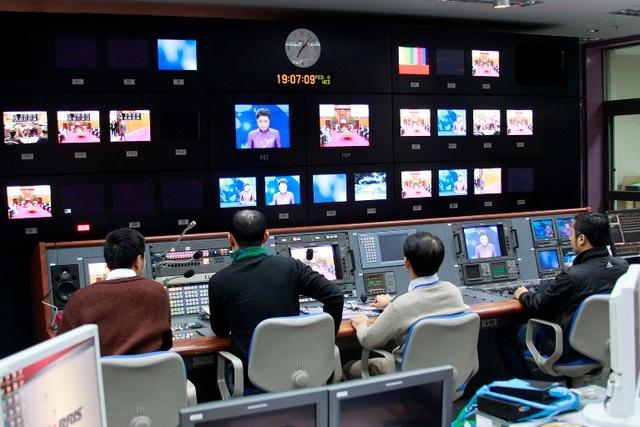 Việt Nam đang dần loại bỏ truyền hình tương tự, tiến tới số hóa truyền hình. Ảnh: VTV