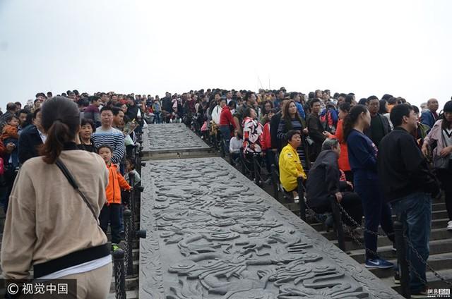 Trước kỳ nghỉ lễ, Bộ Giao thông vận tải Trung Quốc đã đưa ra dự báo Vườn Thanh Minh Thượng Hà sẽ là nơi có lượng du khách đổ về đông nhất. (Nguồn: 163)