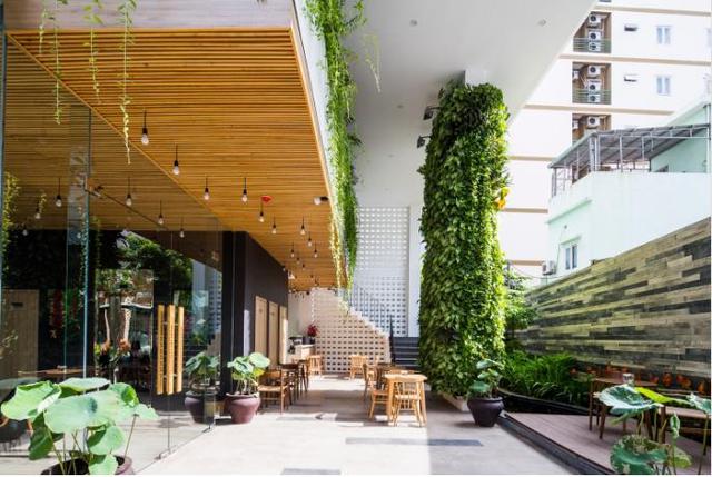 Nằm trong khu vực khách sạn ven biển đông đúc nhưng Condotel Babylon Garden vẫn toát lên vẻ yên bình tĩnh lặng hiếm thấy.