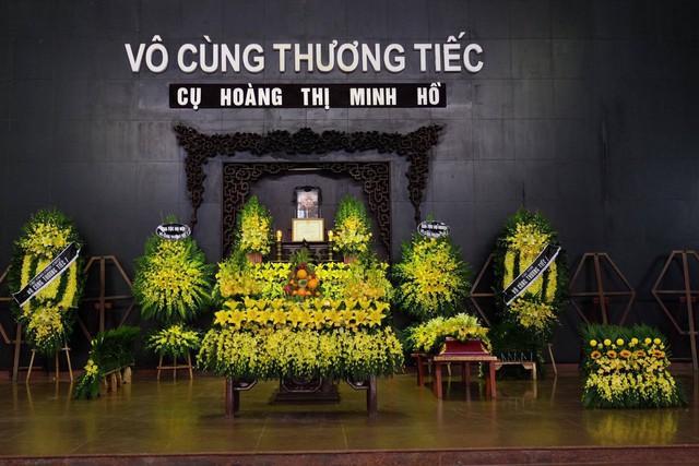 13h ngày 13/11, lễ tang của cụ bà Hoàng Thị Minh Hồ diễn ra tại nhà tang lễ số 5 Trần Thánh Tông. Ảnh: Đầu Tròn