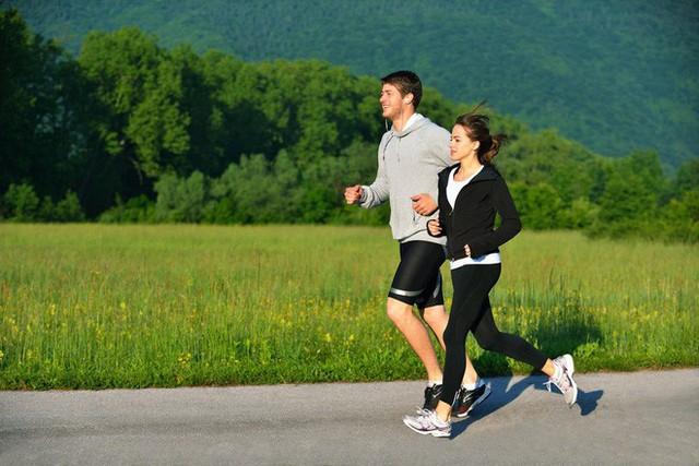 Chạy bộ nâng cao sức khỏe của bạn hiệu quả hơn là đi bộ
