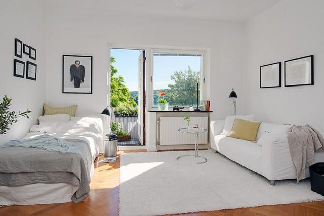 Nhờ sự tinh tế trong cách bố trí không gian và thông minh trong bài trí nội thất của chủ nhà đã mang đến cho căn hộ nhỏ một không sáng rộng thoáng và vô cùng cùng cuốn hút.