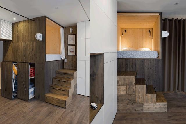 Không gian nghỉ ngơi được đưa lên cao nhường lại khoảng bên dưới làm kho chứa đồ, tủ quần áo lý tưởng cho chủ nhà. Những bậc cầu thang dẫn lên khu nghỉ ngơi cũng được thiết kế thành những ngăn kéo trữ đồ thông minh.