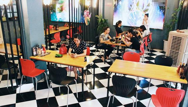 Từ chỗ đông hàng nghìn lượt khách, nhiều quán mì cay hiện giờ chỉ đón khoảng vài chục lượt khách/ngày.