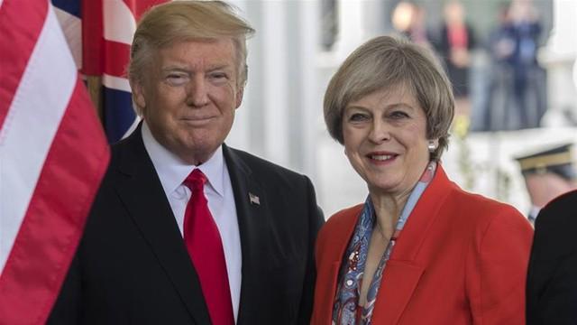 Cả tổng thống Mỹ Donald Trump và thủ tướng Anh Theresa May đều cương quyết phản đối việc nhập cư vì lo sợ khủng bố và ảnh hưởng xấu đến đất nước