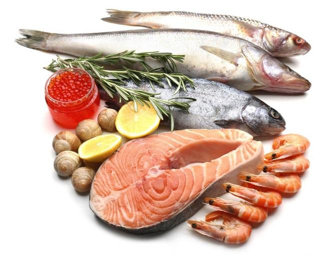 Nên cân bằng chất béo trong chế độ ăn uống hàng ngày.