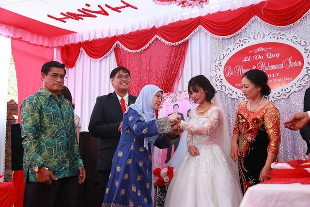 Hai người vừa tổ chức cưới ở Việt Nam tháng 3 vừa qua.