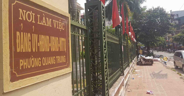Rác cũng ngự ngay cạnh phường Quang Trung