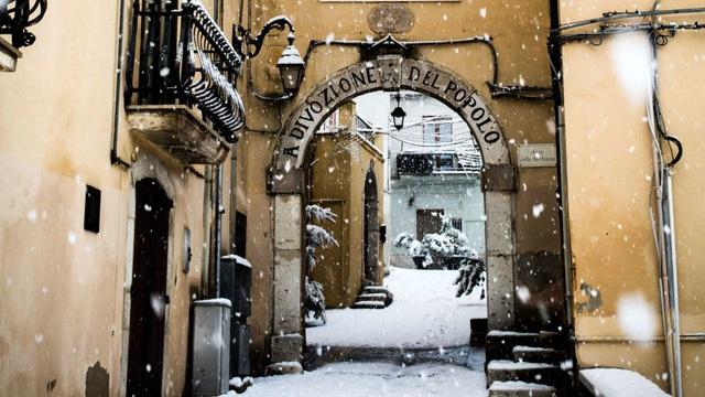 Lối sống ở đây rất yên tĩnh và đơn giản, không có đám đông, dễ di chuyển, không tắc đường, không sương mù, Francesco Delvecchio, một người địa phương chia sẻ.