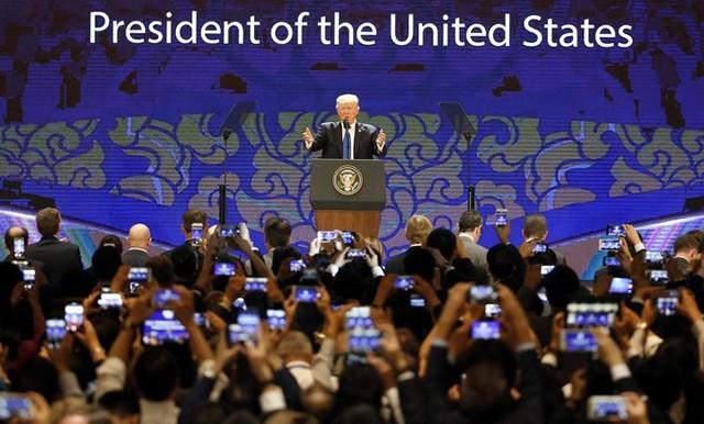 Tổng thống Trump phát biểu vào ngày cuối của Hội nghị cấp cao CEO APEC bên lề Diễn đàn cấp cao APEC ở Đà Nẵng, ngày 10/11.