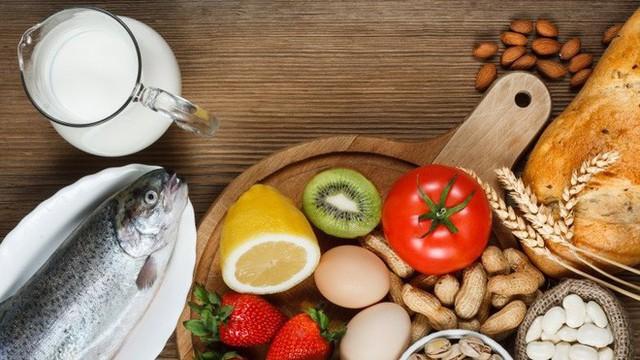 Dị ứng với thực phẩm là nguyên nhân phổ biến gây đau bụng.