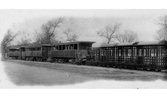 Tuyến đường sắt trong cung để phục vụ Thái Hậu.