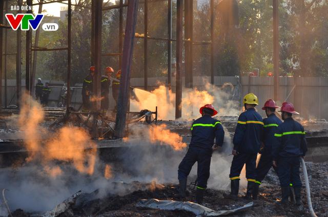 Hà Nội: Cháy lớn tại khu đất 700m2 gần khu biệt thự đường Võ Chí Công - Ảnh 6.