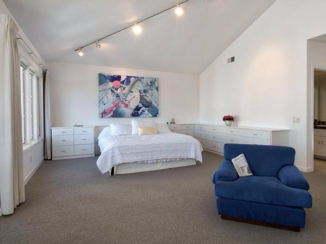 Biệt thự có tổng công 6 phòng ngủ rộng.
