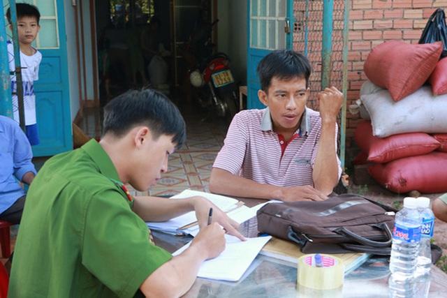 Cơ quan công an huyện Phú Riềng làm việc chủ hàng Lê Văn Long