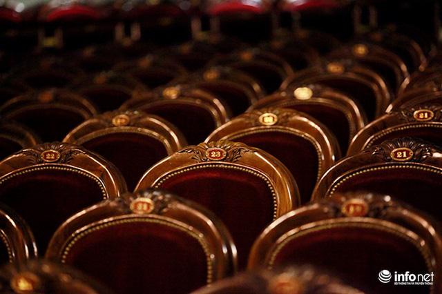 Hiện nay, Nhà hát Lớn Hà Nội vẫn giữ được nguyên kiến trúc phương Tây đặc trưng đã tồn tại và trải qua bao biến cố lịch sử cùng với Hà Nội cổ kính cũng như với đất nước Việt Nam.