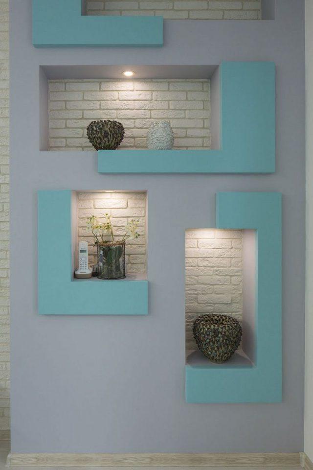 Và quan trọng hơn là sự hiện diện của mảng xanh ngọc lam điểm xuyến trên bức tường đủ để không gian thêm hiện đại và hút mắt.