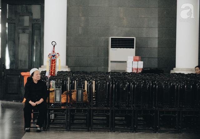 Những hình ảnh xúc động trong lễ tang nhà giáo Văn Như Cương - Ảnh 6.