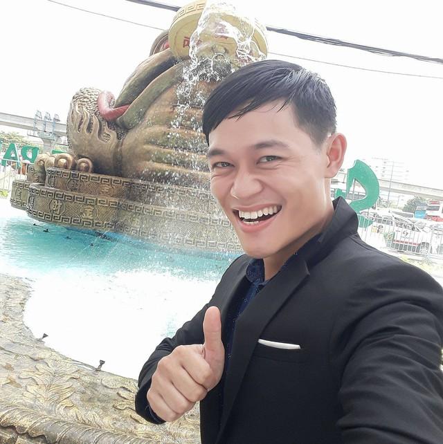 Minh Đức được bạn bè nhận xét rất giống Jack Ma và anh tin vào điều đó.