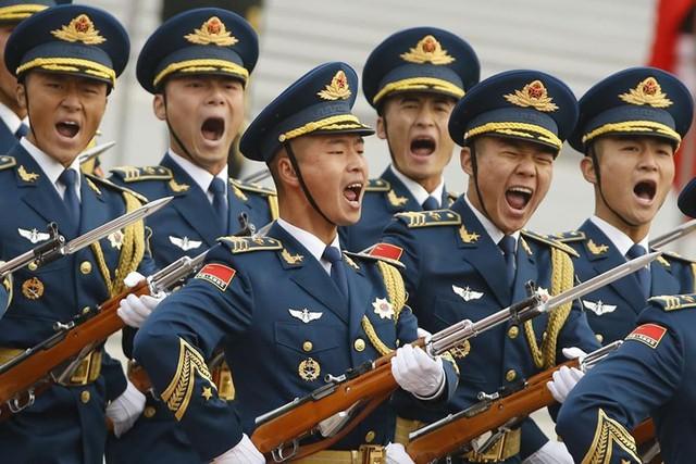 Đội danh dự quân đội Trung Quốc tại lễ đón Tổng thống Trump ở Bắc Kinh vào ngày 9/11.