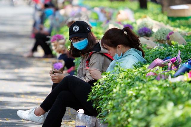 Đa phần các điểm bán hoa thời vụ này chủ yếu là sinh viên khu vực lân cận