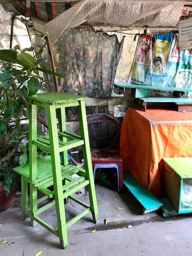 Chiếc ghế mà bà Mão vẫn thường ngồi, giờ trơ lại hư không... (Ảnh: Vũ Thúy Hoa)