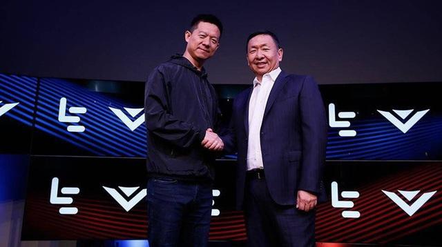 Jia Yueting (trái) và William Wang của Vizio trong thời gian còn nồng ấm