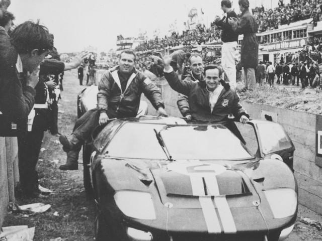 Đội đua của Ford vô địch liên tiếp 4 năm sau đó