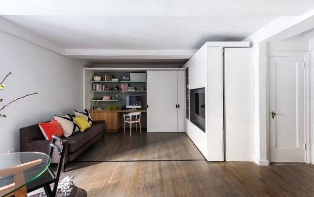 Và khi muốn có không gian rộng thoáng cho phòng khách hay tổ chức tụ tập bạn bè thì chỉ việc thu hẹp bức tường lại. Đây sẽ là một không gian lý tưởng cho bạn.