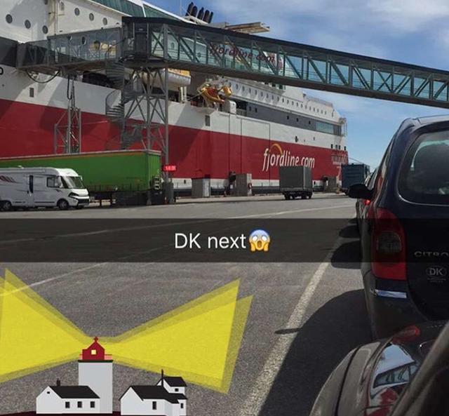 Đôi khi, cô ấy lại chỉ đi du lịch vòng quanh bằng chuyến phà Fjordline từ Na Uy đến Đan Mạch.