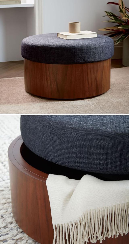 Bàn trà tích hợp ngăn để đồ giúp phòng khách nhỏ luôn gọn gàng, ngăn nắp.