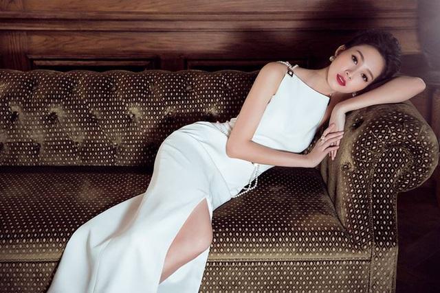 Sự lựa chọn của người sáng lập Tập đoàn Trung Thủy, chứ không phải sự lựa chọn của vị CEO tuổi 30 của Tập đoàn, chính là một sự khẳng định ngầm dành cho những cốt cách, phẩm chất và giá trị của Hoa hậu Việt Nam 2012 Đặng Thu Thảo.