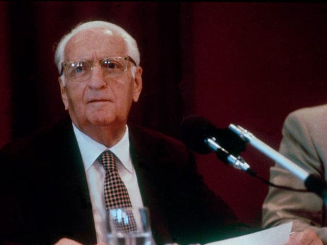 Enzo Ferrari qua đời năm 1988