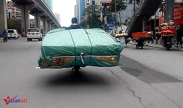 Những loại hàng hóa cồng kềnh luôn tiềm ẩn nguy cơ tai nạn giao thông